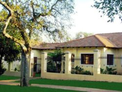 10 Anderson Guesthouse