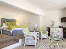 Bayhill Luxury Garden Studio