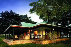 Camp Figtree Colonial African Lodge