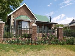 Clarens Mountain Sage Cottage