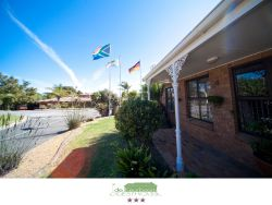 De Keurboom Guesthouses - Helen's Cottage