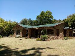 Drakensberg House - SLEEPS 8