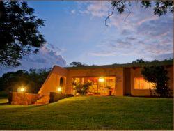 Horseback Africa - Pinto's Lodge