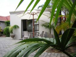 Kennington Palms B&B Or Self Catering