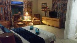 Kloofeind Guest Lodge  Caravan Park