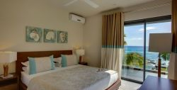 Leora Beachfront Suite