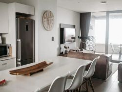 Luxury Apartment near the Airport with Sea View