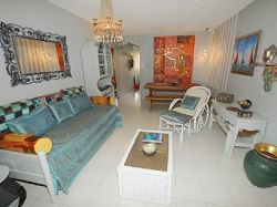 Newly renovated apartment close to the beach-Lv17