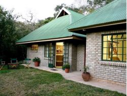 Mackers Self Catering Cottages and Safari Tents