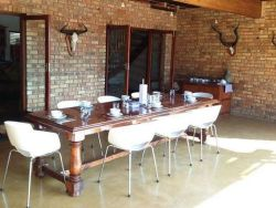 Makhato 84 Bush Lodge