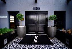 Max Executive Suites