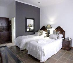 Menlo Park Bachelor Apartments