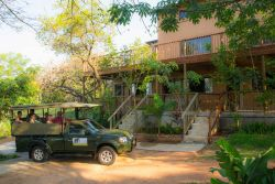 Nandina Guest House & Self-Catering Cottages