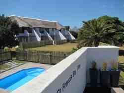 St Francis Bay Villas