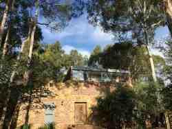 Treelands Castle