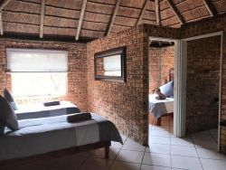 Unathi Game Lodge