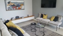 Upmarket Apartment Sea Point