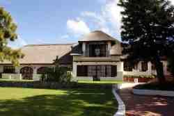 Whale Rock Luxury Lodge