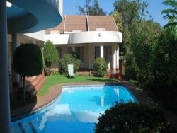 Woodmead Guest Lodge