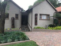 Zwavelpoort Guesthouse