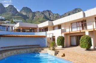 Bateleurs Rontree | accommodation in Camps Bay.