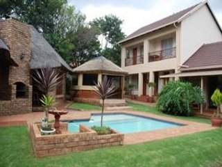 Aandbloem Guest House | accommodation in Eldoraigne.