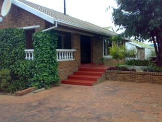 Phomolong Bed and Breakfast | accommodation in Halfway House.