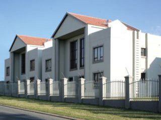 Leafy Apartments-Cresta