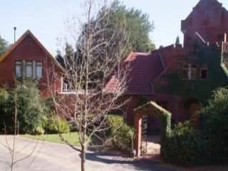 The Cottage At Devon Castle