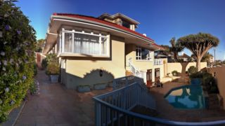Sundown Manor | accommodation in Cape Town.