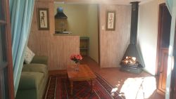 Acorn Cottage Room Thumbnail Pic 1