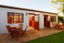 Vine Luxury Self-Catering Cottage Room Thumbnail Pic 1
