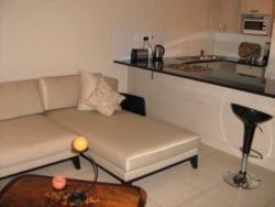 Rondebosch Village Room Thumbnail Pic 1