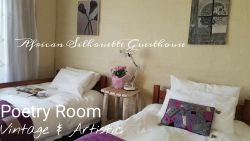 Country Garden and Poetry Room Sleeps4-6 Room Thumbnail Pic 1