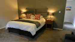 The Charles De Gaulle - Deluxe Suite Room Thumbnail Pic 1