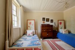 Twin bedroom Room Thumbnail Pic 1