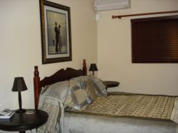 Single room with a double bed Room Thumbnail Pic 1