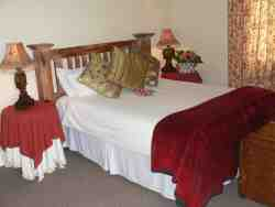 Bushman Cottage Bed & Breakfast Room Thumbnail Pic 1