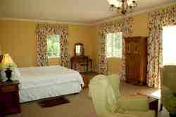 Inzinga Cottage Bed & Breakfast Room Thumbnail Pic 1