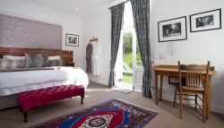 Luxury Garden Suite 2 Room Thumbnail Pic 1