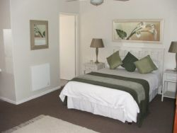 Courtyard Double Room Thumbnail Pic 1
