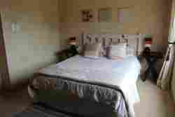 Almond Tree Cottage Room Thumbnail Pic 1