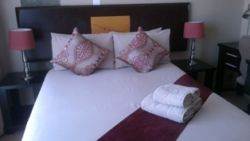 Fully-carpeted, en-suite room Room Thumbnail Pic 1