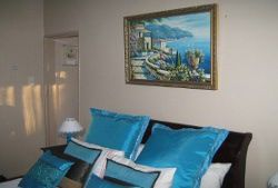 Self Catering Cottage Room Thumbnail Pic 1