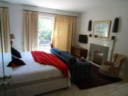Room 9 Self catering 2 3/4 Beds Room Thumbnail Pic 1