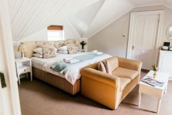 DBL/TWIN Loft bedroom Room Thumbnail Pic 1
