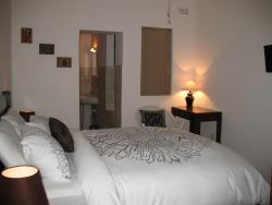Agra - Double Room Room Thumbnail Pic 1