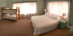 Southern-right Whale Room (family or double) Room Thumbnail Pic 1