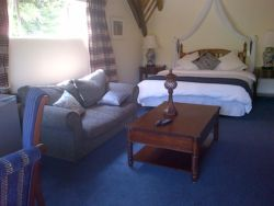 Self catering cottage 2 Room Thumbnail Pic 1