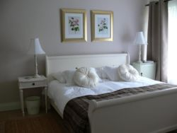 Lavender and Rose Cottage Room Thumbnail Pic 1